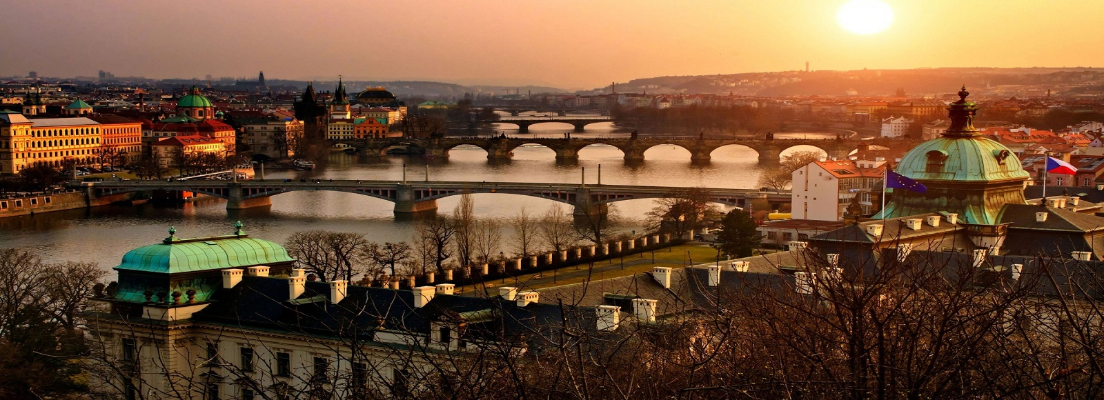 Cheap Flight Fares to Prague. Flight Tickets Discounts to Prague