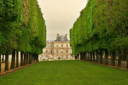 Visit Le  Luxembourg Garden