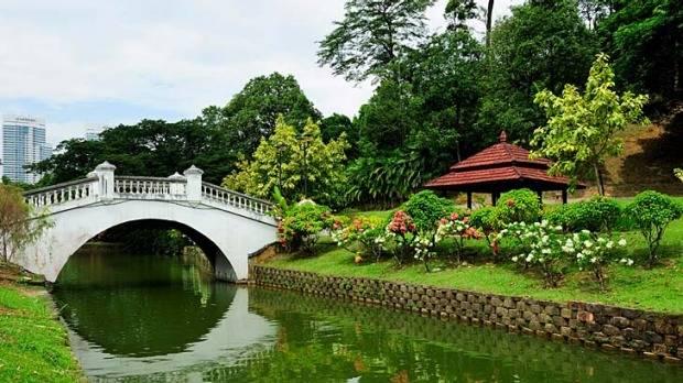 كوالالمبور في ماليزيا : بحيره رائعه و جميله جدا للتنزه