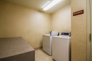 Best offers for SLEEP INN SUITES AIRPORT Milwaukee