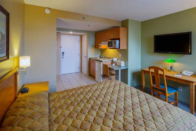 Best offers for Hotel les Suites Labelle Montreal