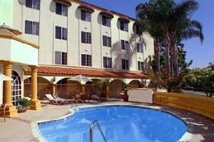 Best offers for Hampton Inn and Suites Santa Ana Santa Ana