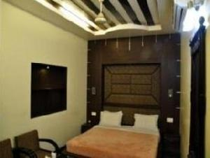 Best offers for Vardhaman Inn New Delhi